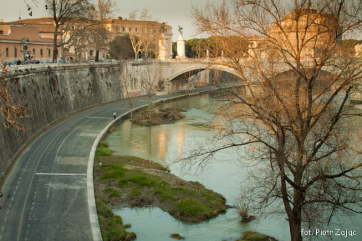 """ Spectre "" film set at Tiber river in Rome"