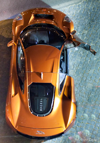 "Jaguar C-X75 on "" Spectre "" film set in Rome"