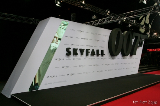 "Red carpet at "" Skyfall "" premiere in Berlin"