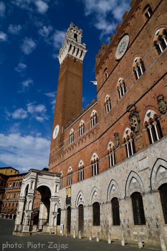 Palazzo Pubblico at Piazza del Campo in Siena, Italy