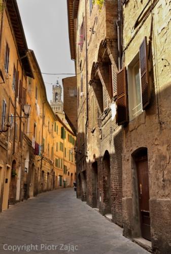 Via del Rialto in Siena, Italy